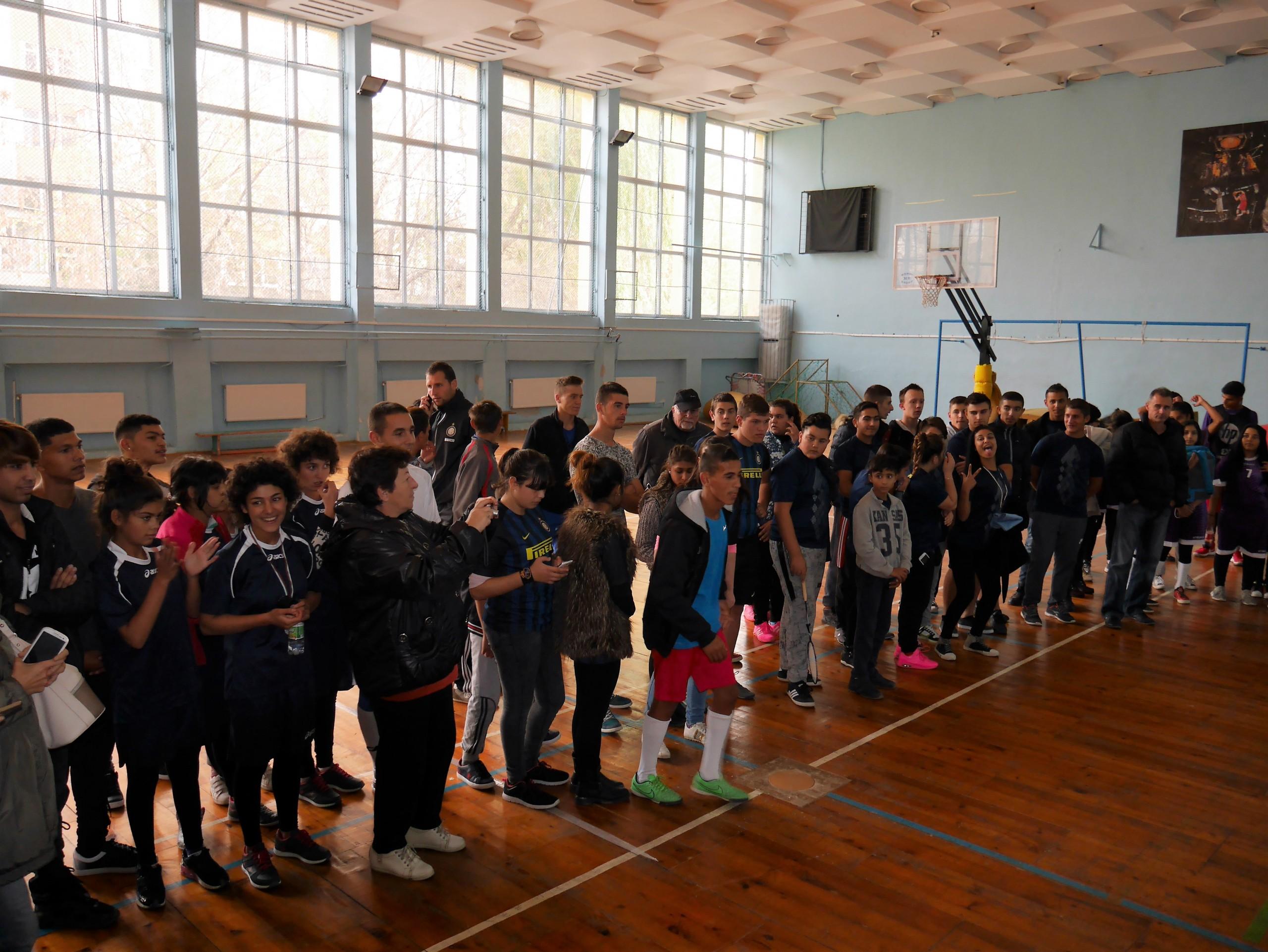 Деца и младежи в риск с отлични изяви по време на спортен празник